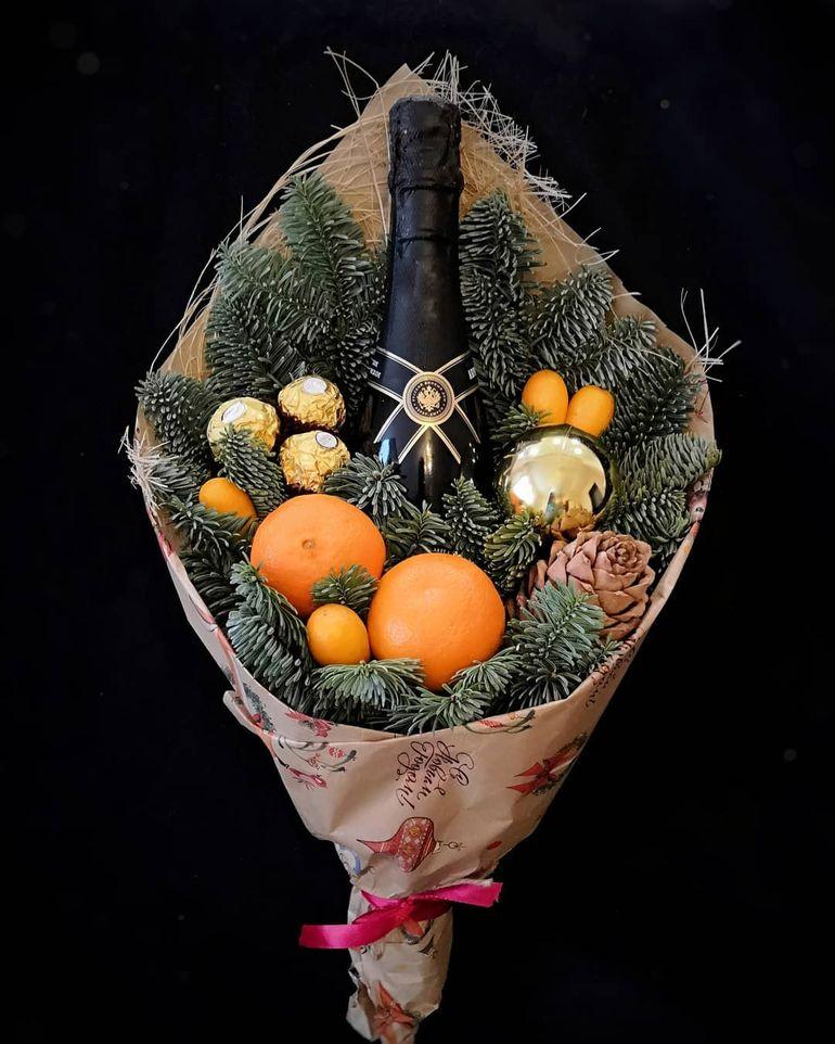 Мастер-класс по сборке традиционного новогоднего букета из шампанского