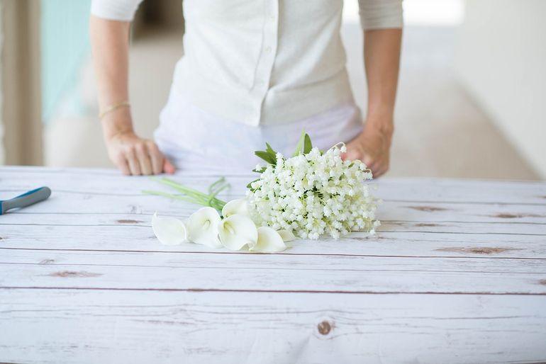 Мастер-класс по сборке круглого букета невесты из роз и калл