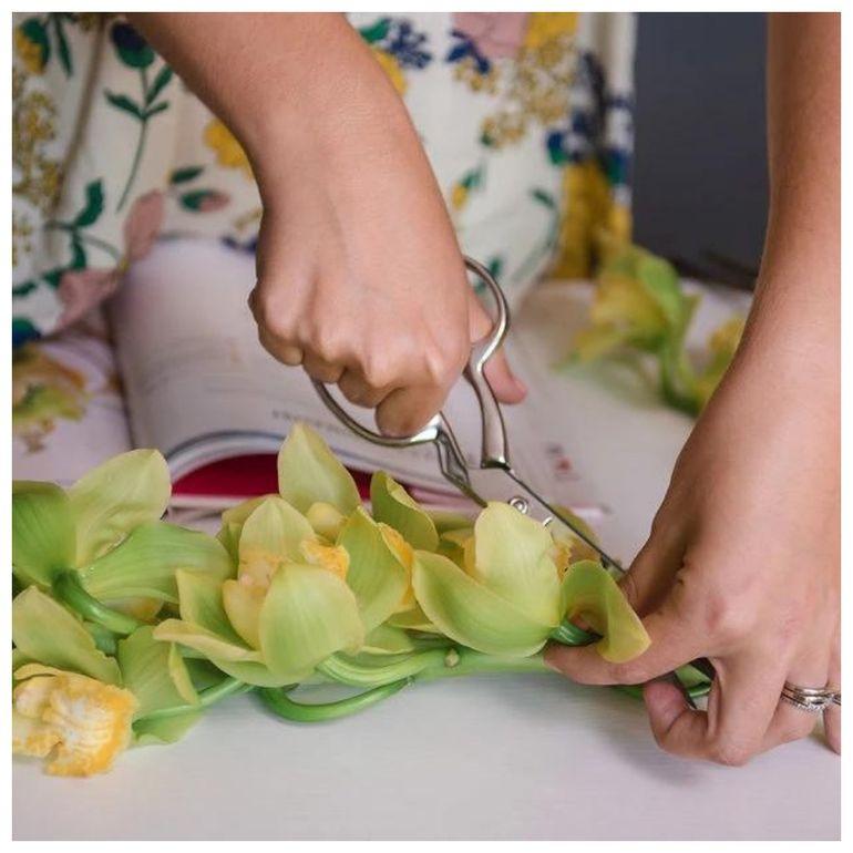 Мастер-класс по сборке спирального букета невесты из роз и калл